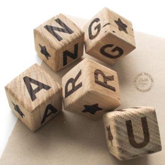 Cubes-bois-lettre-etoile
