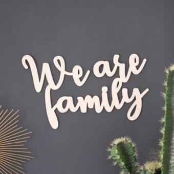 Wearefamily mur carré-1